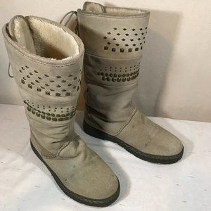 Bear Paw Lined Boots Size 10